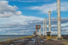 NICE Itaipu水电站  曾经世界上最大的水电站,现在是我国三峡为最。 Itaipu水电站由巴