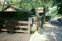 日据时期在台湾修建的第一座温泉,温泉资源非常丰富,街道的下水道口也可以看到沸腾的水汽。