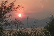 青山依旧在,几度夕阳红!  只为旅途中遇见你………