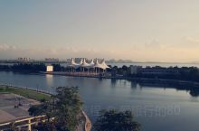 来芜湖住风景最美的酒店#芜湖碧桂园玛丽蒂姆酒店#,带上三五知己,在酒店后花园湖边小酌两杯,赏夕阳西下