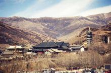 中国四大佛教名山之首,世界五大佛教圣地之一,五台山。 普寿寺,亚洲最大的女子佛学院。 当云板敲响,唱