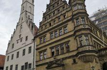 罗腾堡的旧市政厅位于城区中心地带,四周多古老建筑,历史底蕴浓厚,是赏景的不错选择,登上塔楼可以俯瞰整