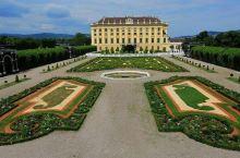 美泉宫-茜茜公主的音乐晚会  来维也纳不听音乐会简直就是白来一趟。我选择去美泉宫听音乐会,主要是因为