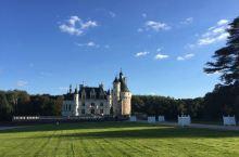 舍农索城堡——令人叹为观止的童话世界  【远离人群的辉煌城堡】 如果想在卢瓦尔河谷找到一个远离人群的