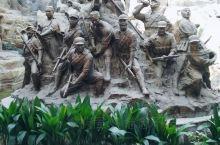 茅山新四军纪念馆,坐落在江苏省句容城东南二十五公里处的茅山镇。茅山是江苏省省级风景名胜区。现在的新