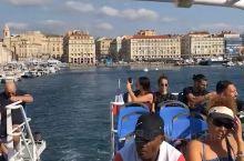 马赛老港坐船去Frioul岛,这是港口的景色。