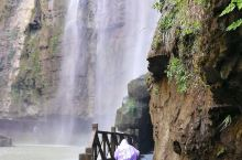 三峡瀑布正面写真。