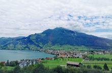 #理解了为什么用人间仙境形容瑞士#感觉卢塞恩的美并不仅在打卡的景点上,除了几座山以外,卢塞恩出现在携