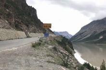 波都臧布河谷在波密的中部,受印度洋海洋性西南季风影响,印度洋暖湿气流沿雅鲁藏布江,进入帕龙藏布河,因