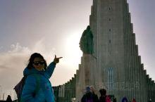 冰岛自驾 之 #雷克雅未克 •上篇#   半日真是足够用腿丈量这个全球最北首都了。  早上醒来发现昨