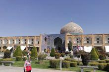 波斯游迹  之  卢特夫劳清真寺 位于伊玛目广场南侧,无比精美的装饰壁画,清真寺的顶尖之作