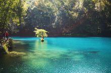 荔波,世界遗产地。这里是散落在地球上的一颗绿宝石。荔波的水是绿色的,晶莹剔透。 荔波到二月底门票都是