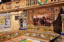 西班牙塞维利亚广场也是打卡之地,建筑物细节设计风格独特,加上天气好,景观优美的地方就呈现出来了,雕刻