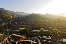 黔东南之行不是最贵但是最好的客栈 1.阳台景观比游览车上去的观景台强100倍。 2.正对日出,坐在窗