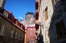 魁北克城应该可以称得上加拿大最美小城,真的是美轮美奂,行走在小路上,真的就有一种走在小巴黎的感觉,城