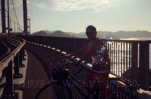 骑骑车逛逛广岛大桥也很惬意