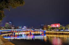 岑溪城区广场沿江夜景