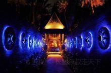 选美冠军举行婚礼的米其林餐厅 普吉岛米其林餐盘推荐餐厅,隐藏在一家林木茂密的酒店之中,最为神秘的是要