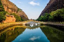 华夏大地,名山大川数之不尽。  自古至今,三山五岳闻名遐迩,但在江西有这么一座山,名气极大却不大众: