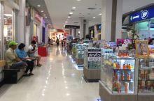 其实泰国的超市跟这边一样,除了7-11全家之外bigc算比较大的,价格也比较便宜。也不怕被坑。