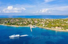 锡尔巴岛在群岛外缘,位于达尔马提亚北部的亚得里亚海中。如果你急于逃离喧闹的人群(尽管这种情况只出现在