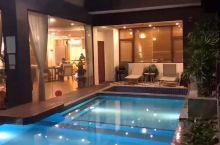 聚会首选,佛冈汉利别墅9房巴厘岛风格,感觉住一晚还不够,烧烤唱K,无边泳池好赞 佛冈汉利别墅