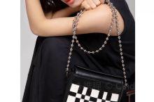 Lubanah原创设计珠链优雅时尚单肩斜挎包 Lubanah 原创品牌源自于艺术灵感,象征皇家御用血