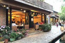 下午还在丽江束河来搞了一次很不错的丽江特色风味美食大餐,做的美食真是不错,实话实说,到丽江的朋友真可