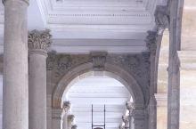 长假出门浪 @ 磨坊温泉回廊  卡罗维发利小镇其实拥有好几处风格迥异的温泉回廊,而建成于1881年的