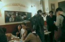 小伙伴给我安利了这个西班牙炸丸子店,据说是马德里在最好吃的炸丸子。和小伙伴去吃了,还排队了,还不错!