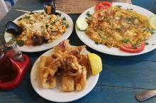 【克里特岛海鲜大餐,美味量大价格优】 在希腊,Coffee、Cafe都带有酒吧性质,真正只吃饭的,叫