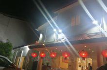 科伦坡新开业的月亮湾餐厅 最大感受,是餐具比较精致用心 烤鱼好吃 还可以再来