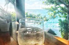 The Cliff bar & Grill 最适合看日落的悬崖餐厅,面朝拉迈海滩。运气很好,没有定位