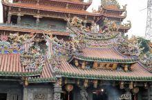 香火旺盛,庄严肃穆,雕刻精美,经典华丽的台湾宗教建筑,绝对值得拜观。