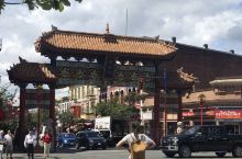 来过这里几次啊,要么吃饭要么买中国调料,好友说这里有个番摊巷,要逛一逛,不难找寻便看到了,很窄的胡同