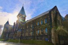 在多伦多大学来一场《哈利波特》的偶遇 【景点攻略】 详细地址:27 King's College C