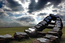 海宁/东方潮起雕塑公园:就在钱塘江边,也是钱塘江观潮的绝佳地点,雕塑公园有很多看似比较现代的雕塑,矗