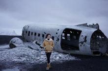 冰岛飞机残骸 世界尽头的网红打卡地 飞机残骸值不值得去?答案是见仁见智。如果天气好,步行过程还没有那