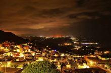 一座有情调的山城,充满了人情味的山城,这座美丽的山城牵引着我一定要去看看,里面有各种小吃美食,入住在