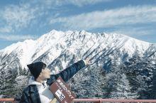 搭乘双层缆车前往标高2,156m的云朵上世界。在山顶瞭望台眺望北阿尔卑斯群山的360度全景。冬季山顶