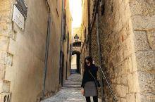 从巴塞罗那出发前往赫罗纳 赫罗纳是神剧《冰与火之歌:权力的游戏》的重要取景地,权游中的大教堂、都城君