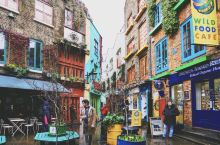 彩虹巷,听上去就是个五彩斑斓的地方,这条色彩缤纷的小胡同隐藏在大名鼎鼎的Covent Garden附