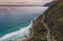对爱自驾爱好者来说,在国内没开过独库公路就不算『老司机』,没走过南非查普曼公路也算不得『阅历丰富』。