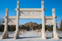 呼和浩特市南郊,昭君博物院离市区较远,票价30,平地而起的青冢里,是中国古代四大美女之一。