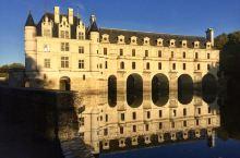 """""""城堡之后""""舍农索城堡 迷恋夕阳下的金色倒影 舍农索城堡因其历任主人不是皇后就是贵族夫人,被称为""""城"""