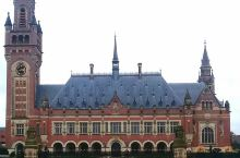 在荷兰的一个小众景点,非常值得一来  我和闺蜜在荷兰旅游的最后一天,我们来到了荷兰海牙的和平宫,本来