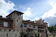 安利一个在西班牙的神仙宝藏景点  我和闺蜜在西班牙旅游,发现了一个神仙宝藏景点,就是拉尔韦尔卡。我感