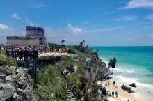 图伦遗址位于墨西哥尤卡坦半岛东部濒临加勒比海的一个悬崖峭壁上,是目前全球保存最为完好的濒海玛雅文化遗