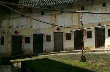 广东梅州兴宁客家人的老宅-围龙屋