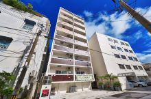 冲绳那霸市中心ホテル クオ—レ正式运营 每间房28平米一共15间房。每间房可住2-4人,每晚1.2万